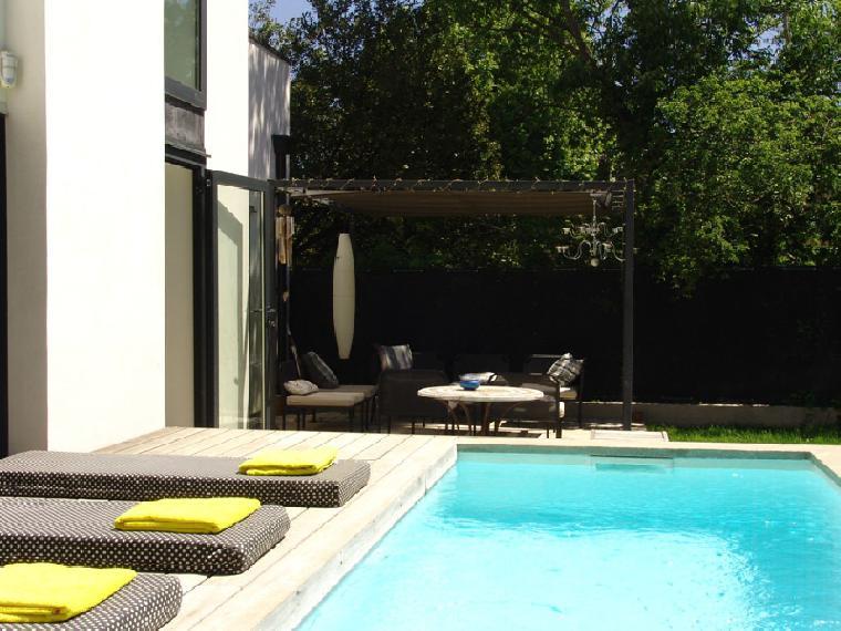 Location vacances villa aix en provence ref 1246 5 chambres for Location vacances aix en provence avec piscine