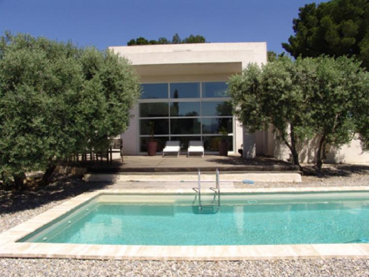 Location vacances villa marseille 13 ref 321 4 chambres for Location maison avec piscine marseille