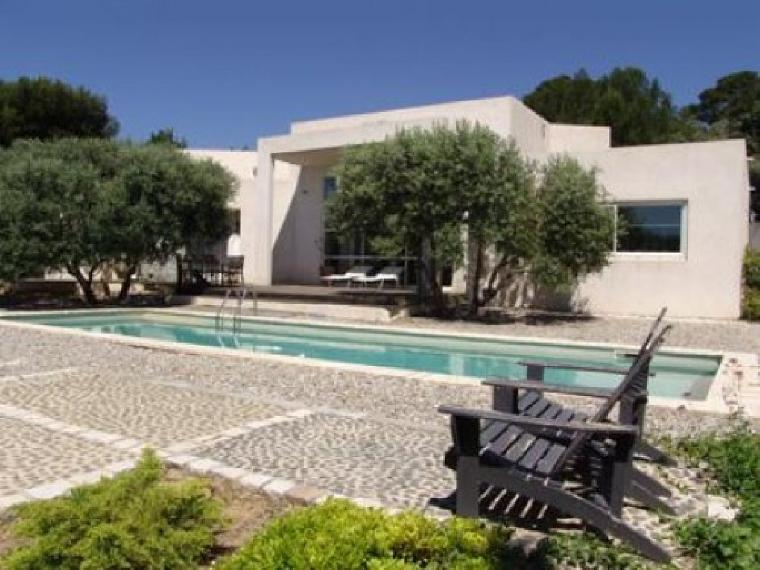 Location vacances villa marseille 13 ref 321 4 chambres for Villas 321 combate