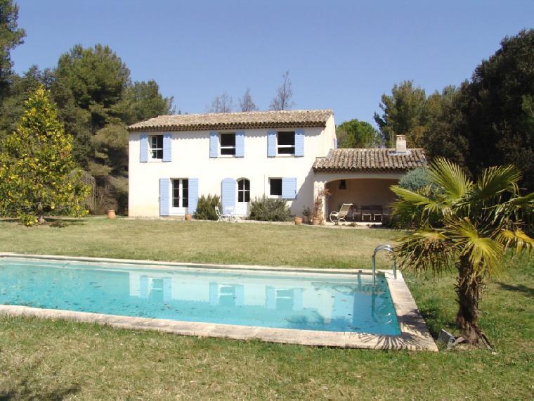 Location vacances villa aix en provence ref 712 3 chambres for Location vacances aix en provence avec piscine